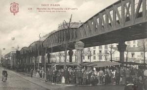 La passerelle du Métropolitaine, sur le boulevard de Grenelle…