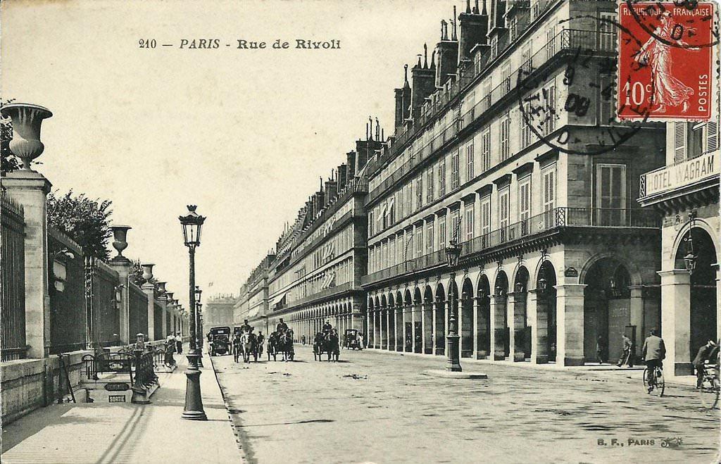 1366832552-tuileries-210-bf Rue de Rivoli
