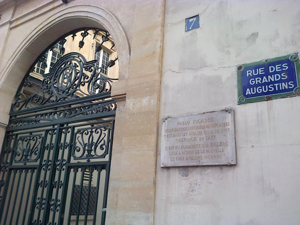 Au n°7 de la rue des Grands-Augustins (6ème). img-20131002-00358