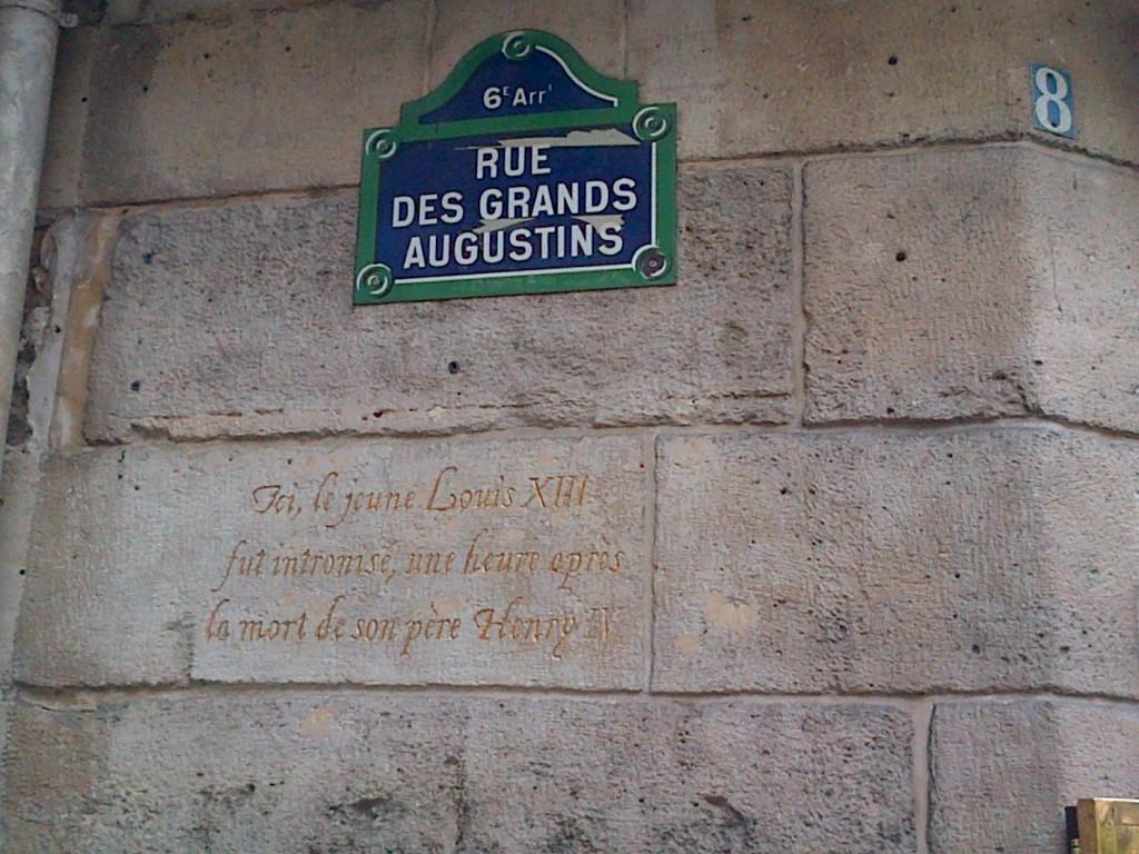 A l'angle des rues Christine et des Grands-Augustins (6ème) img-20131002-00360