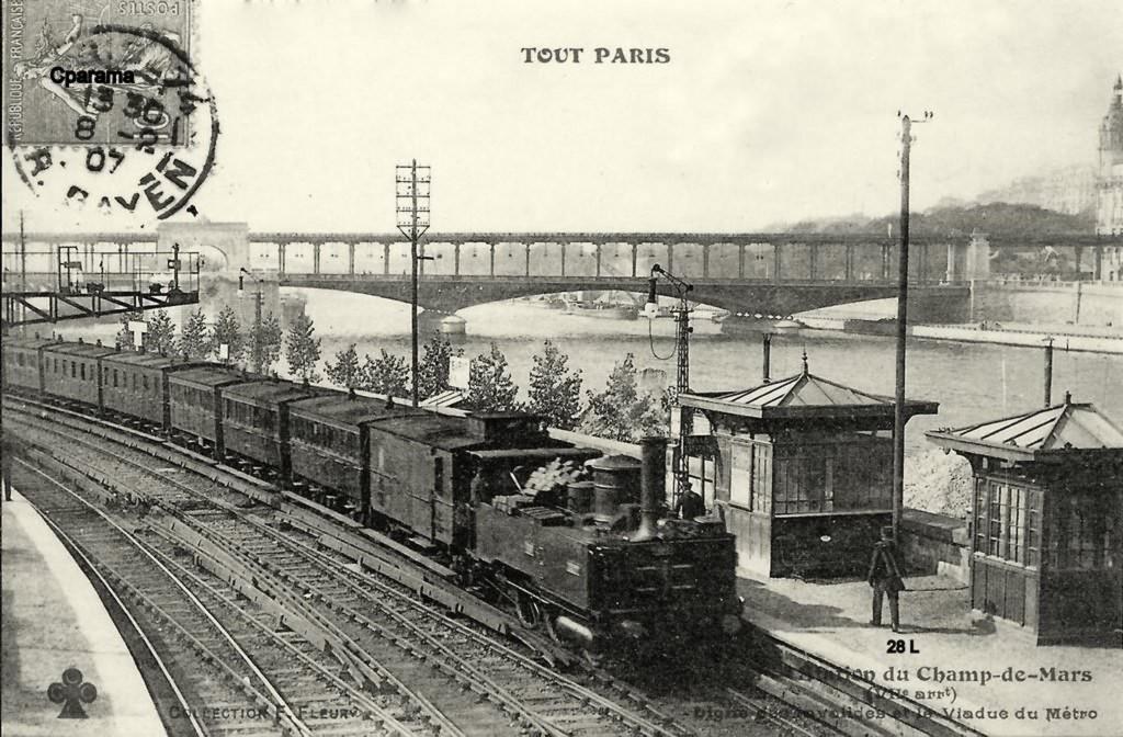 1368681184-28 Ligne des Moulineaux aux Invalides
